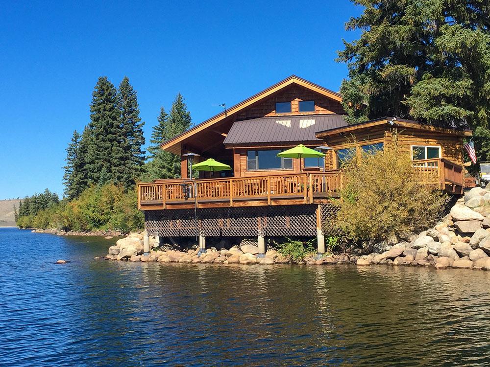 Half Moon Lake Lodge Luxury Real Estate Auctions