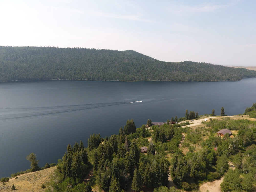 Half Moon Lake Lodge In Conjunction With Live Water Properties Jackson Wy