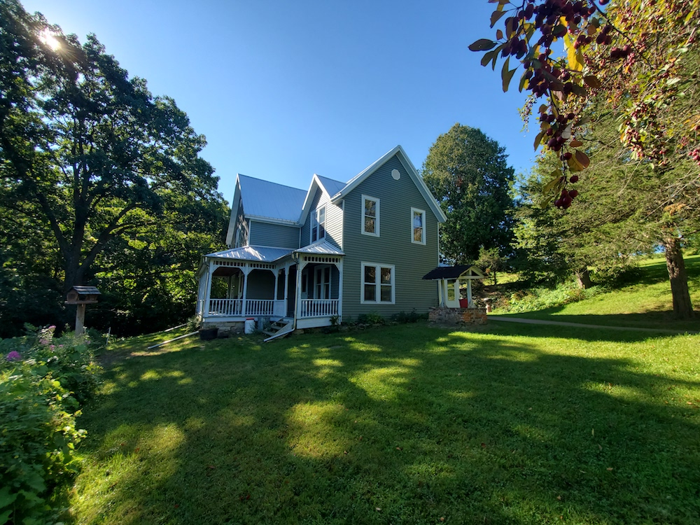 Home Ferryville For Sale