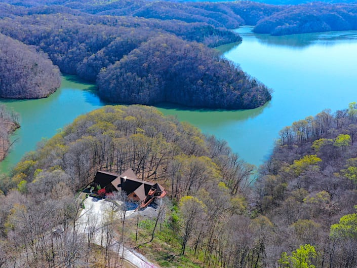 Dale Hollow Real Estate Auction